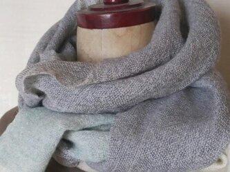ふんわり軽い手織りカシミヤマフラーの画像