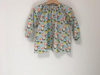 チューリップ柄スモック長袖ブルー サイズ100の画像