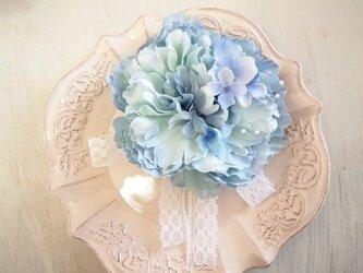 結婚式・卒園・入学式にぴったり大人可愛い華やかコサージュBの画像