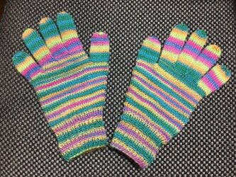 5本指手袋(エメラルドグリーン・ピンク・黄色系)の画像