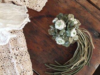布花コサージュ 白詰草とクローバーの画像