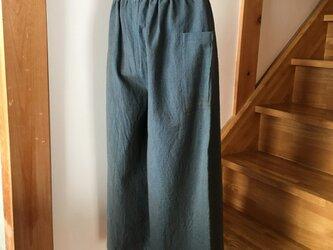 #118 柿渋染め 青い生地のパンツの画像