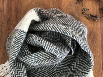 手織りカシミアヘリンボーンストールの画像