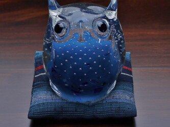 ふくろう(遠州織物の座布団付き)デニム青の画像