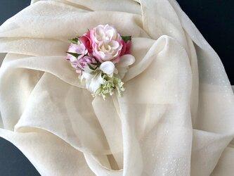 薔薇のコサージュ&ヘアーアクセサリーの画像