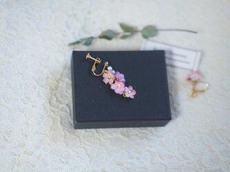 八重紅枝垂桜 イヤリング/ピアス 片耳の画像