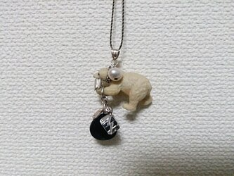 animal  シロクマと天然石のシルバーペンダントトップの画像