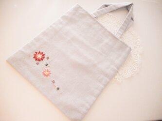 ハーフリネン 刺繍入りミニトートの画像