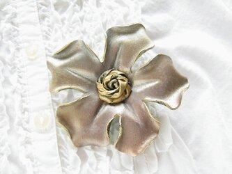 革のコサージュ ファイブスター(アンティークゴールド)の画像