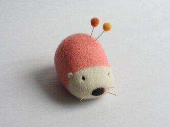 羊毛はりねずみ針山・・・(サーモンピンク)の画像