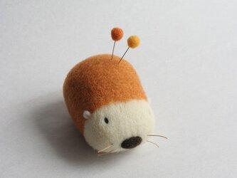 羊毛はりねずみ針山・・・(キタキツネ)の画像