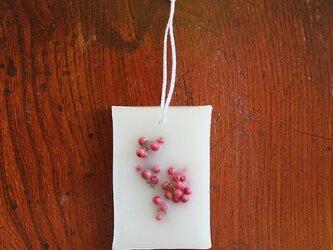 ボタニカルアロマワックスプレート (飾り花:ペッパーベリー / アロマ:シトラス)の画像