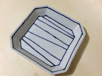 Z221 磁器染付角小皿の画像