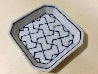 Z222 磁器染付角小皿の画像