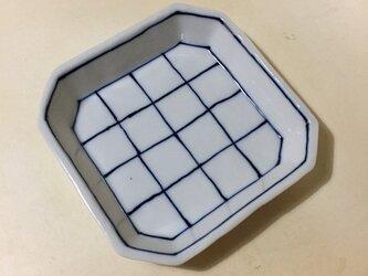 Z225 磁器染付角小皿の画像