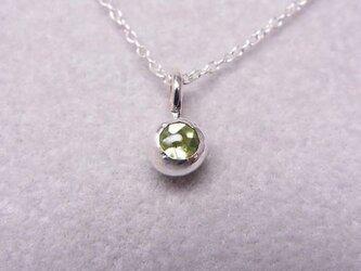 ペリドットの純銀の珠の画像