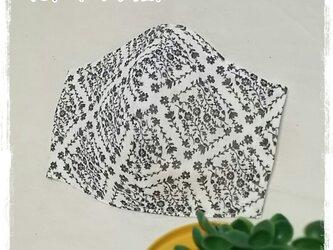 (L)ワイヤ入り立体マスク*花柄ダイヤ*白の画像