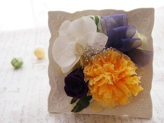 ◆お供えフレーム/プリザーブドフラワーアレンジ・コチョウランイエローの画像
