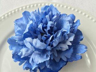 ピオニーのシンプル2wayコサージュ(ブルー)の画像