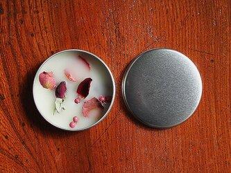 ボタニカルアロマワックス缶 (飾り花:ローズ&ペッパーベリー / アロマ:シトラス)の画像