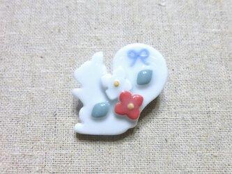 小花りすブローチの画像