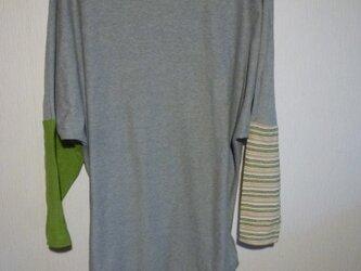 配色切替えドルマンデザインロングTシャツ 杢グレーFの画像