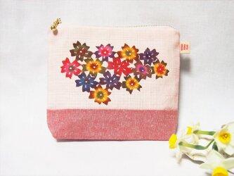 【送料無料】春らんまん、手染め紅型(びんがた)と茜染の桜ポーチの画像