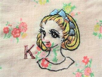 Kと昭和の少女 イニシャルポーチの画像