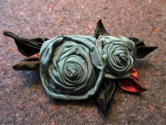 2Roses(巻バラ)のブローチ&バレッタの画像