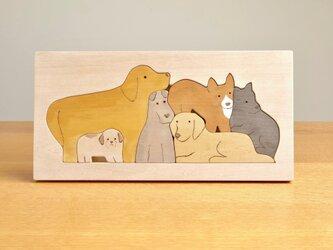 木のパズル 6匹のいぬ の画像