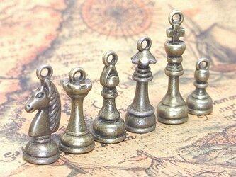 チェスのチャーム 金古美 6種【チェスの駒パーツ ピアス素材】の画像