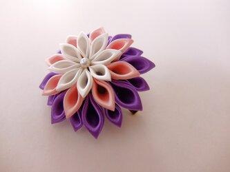 三色ダリアのコサージュlight【白、桃、紫】の画像