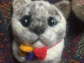 羊毛フェルト 猫ブローチの画像