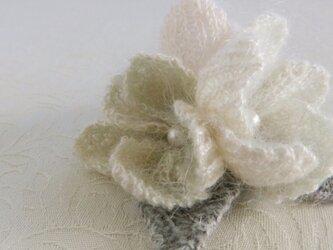 モヘア・花のコサージュの画像
