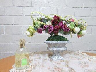 薔薇のアレンジメントトピアリー(fob-05)ホームデコレーションの画像
