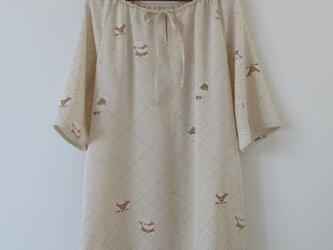 春色唐子模様着物のチュニックワンピースの画像