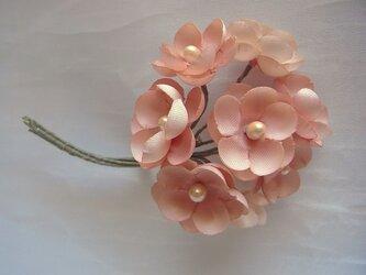 パール花芯の梅小花コサージュ(ピンク濃淡)の画像
