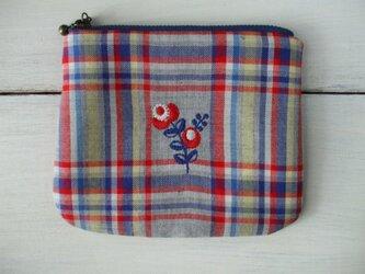 花刺繍のミニポーチ  綿 グレー・赤・青チェックの画像