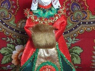 民族衣装を着た女の子のロシア人形(小)5の画像