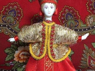 民族衣装を着た女の子のロシア人形(小)7の画像