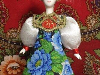 民族衣装を着た女の子のロシア人形(小)10の画像