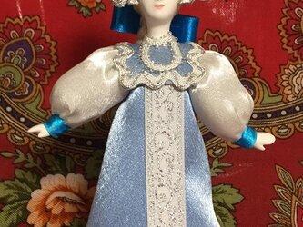 民族衣装を着た女の子のロシア人形(小)17の画像