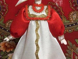 民族衣装を着た女の子のロシア人形(小)18の画像