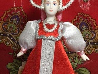 民族衣装を着た女の子のロシア人形(小)19の画像