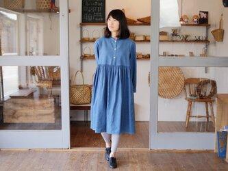 エシカルヘンプスタンドカラードレス 正藍染め藍色の画像