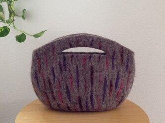羊毛フェルトミニバッグの画像