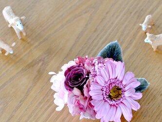 【プリンセスピンクブラウン】 プリザーブドフラワー コサージュ ガーベラ 結婚式 発表会 卒業式 入学式 ヘッドドレス 七五三の画像