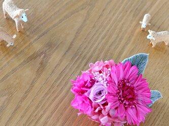 【ストロベリーピンク】 プリザーブドフラワー コサージュ ガーベラ 結婚式 発表会 卒業式 入学式 ヘッドドレス 七五三の画像