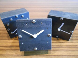 アイアン 置時計(選べる3タイプ)の画像