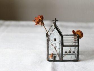小さな小さな教会の花器の画像